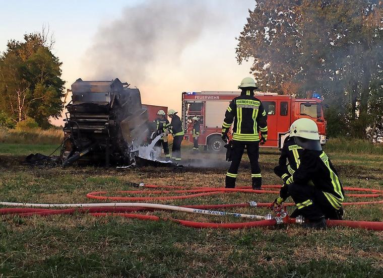Die Presse wurde durch den Brand komplett zerstört. Quelle  Feuerwehr Bad  Belzig 36825b2542