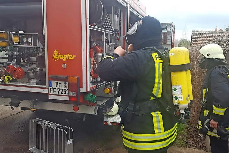 Dieses Bild hat ein leeres Alt-Attribut. Der Dateiname ist Feuerwehren-aus-Bad-Belzig-Wiesenburg-und-Goerzke-sind-im-Einsatz_w760.jpg